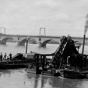Dragueuse de sable / Orléans (pont de Vierzon), 1936
