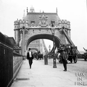 Tower Bridge Londres / Angleterre, 1890