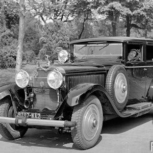 Automobile Hispano-Suiza / Banlieue de Douai, 1930