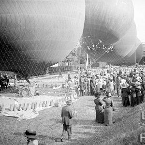 Départ de ballons / Saint-Cloud, 1900