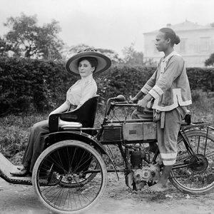 Pousse-pousse à moteur / Haiphong, Vietnam, 1900