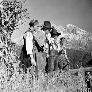 Tenues traditionnelles tyroliennes / Innsbruck, Autriche, 1937