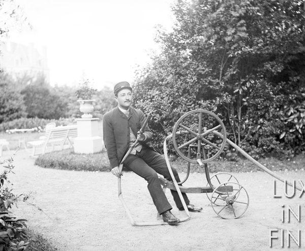 L'arrosage du jardin / 1880