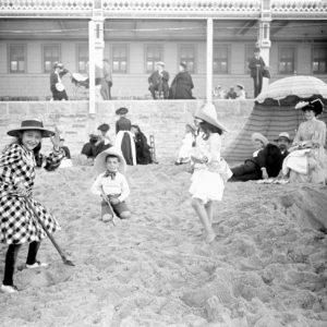 Plage du casino / Hendaye, 1900