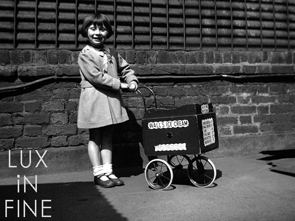 La marchande de glaces, Londres, 1936 - NE027494