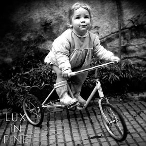 Le tricycle, Bretagne, 1950 - NE033469